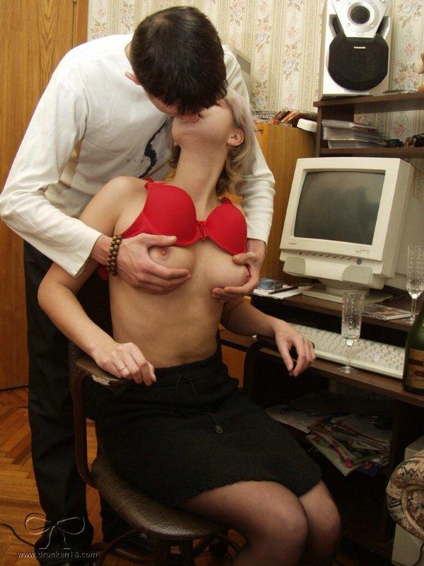 Показала грудь и разрешила трогать видео