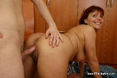 raunchy-mommy-blows-her