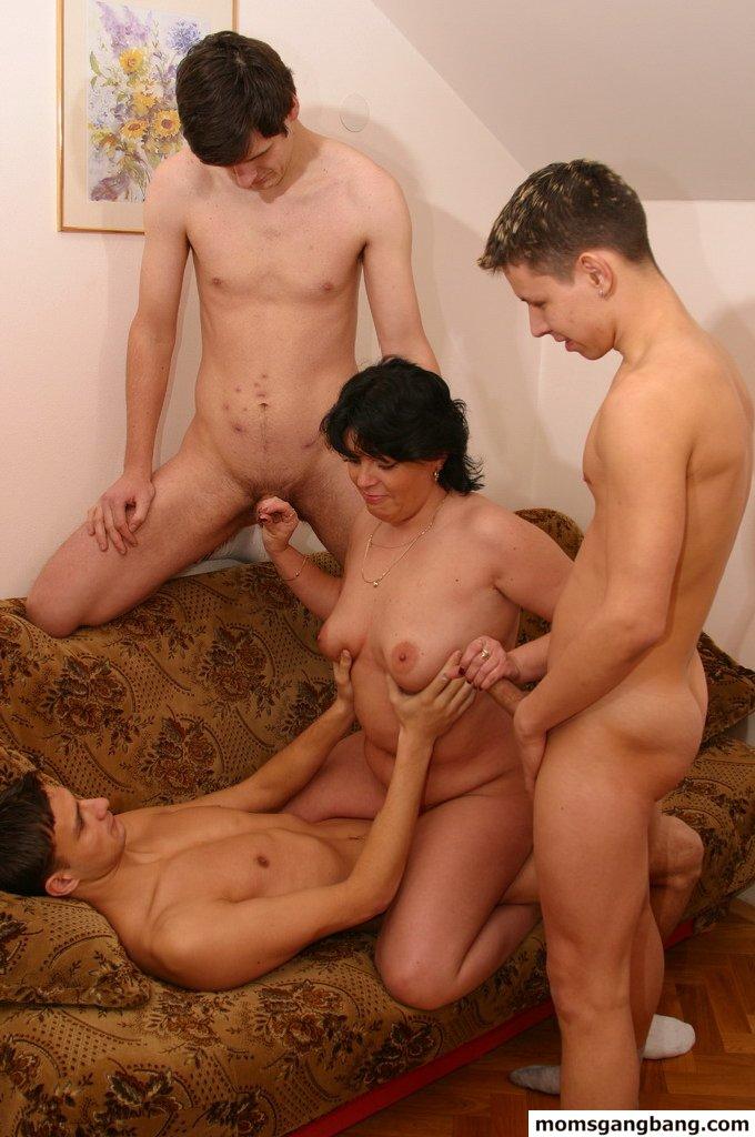 Порно фото семейный трах