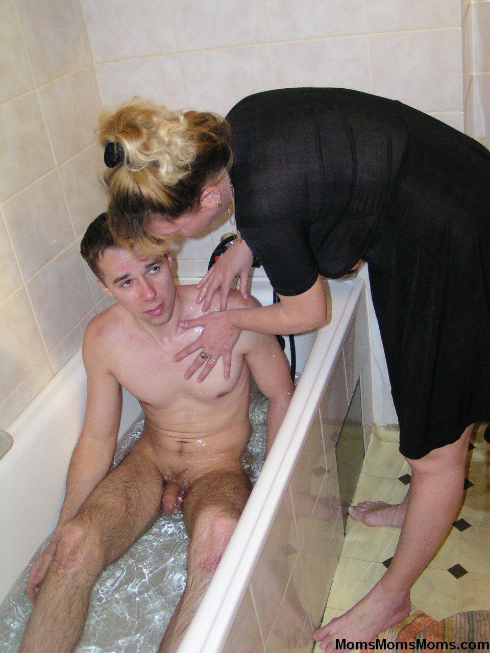 Син паставил скритий камира радителский спалний и смотрит как мама и папа занимаюца сексам парнуха бусурманский секс дамашний 3 фотография