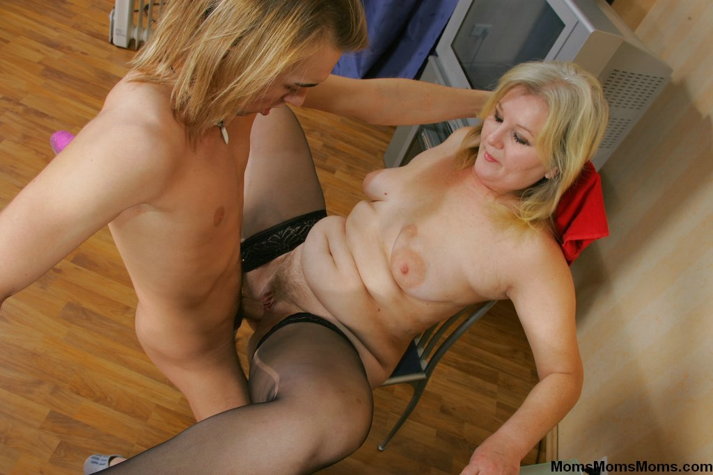 Widowed Milf Seduced Son