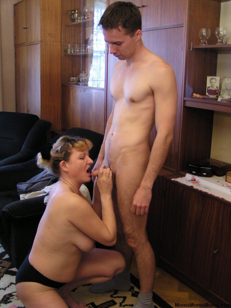 Голые мамочки и сыночки