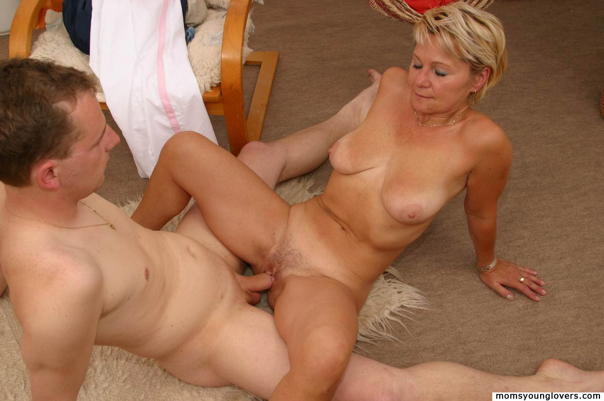 Hard core sex world mom and son smut pic