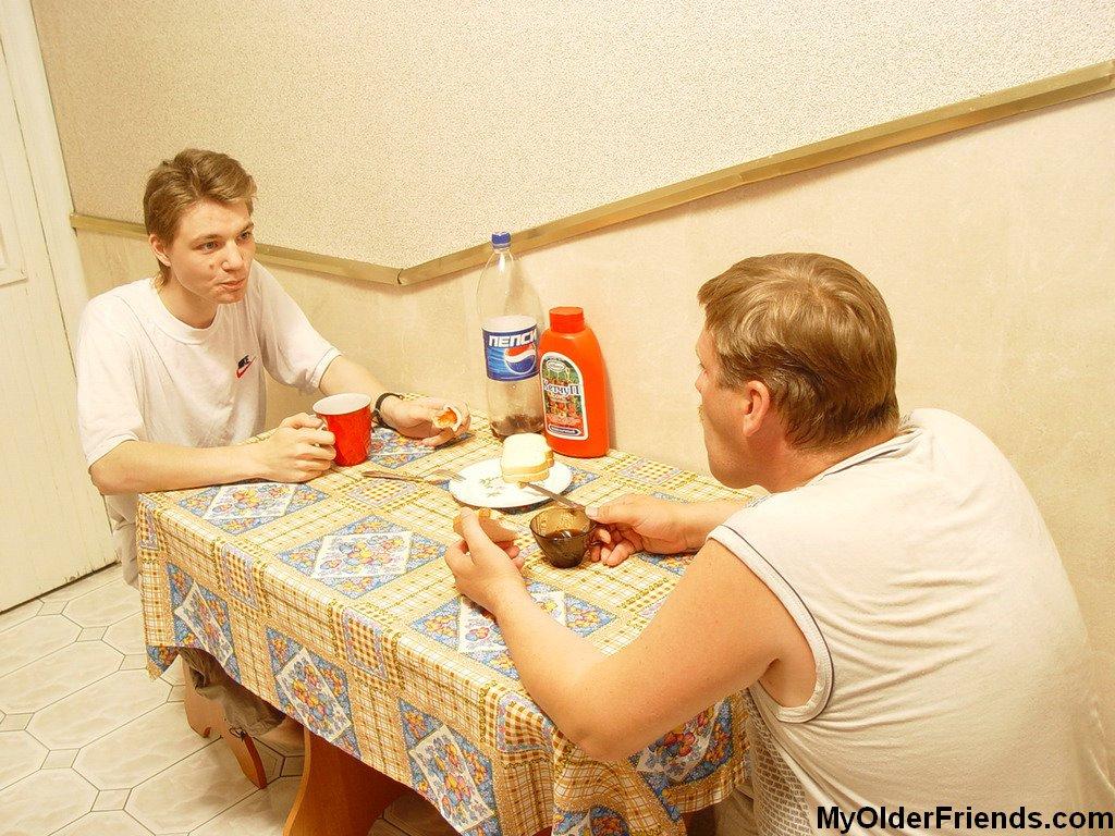 Breakfast Gay 5