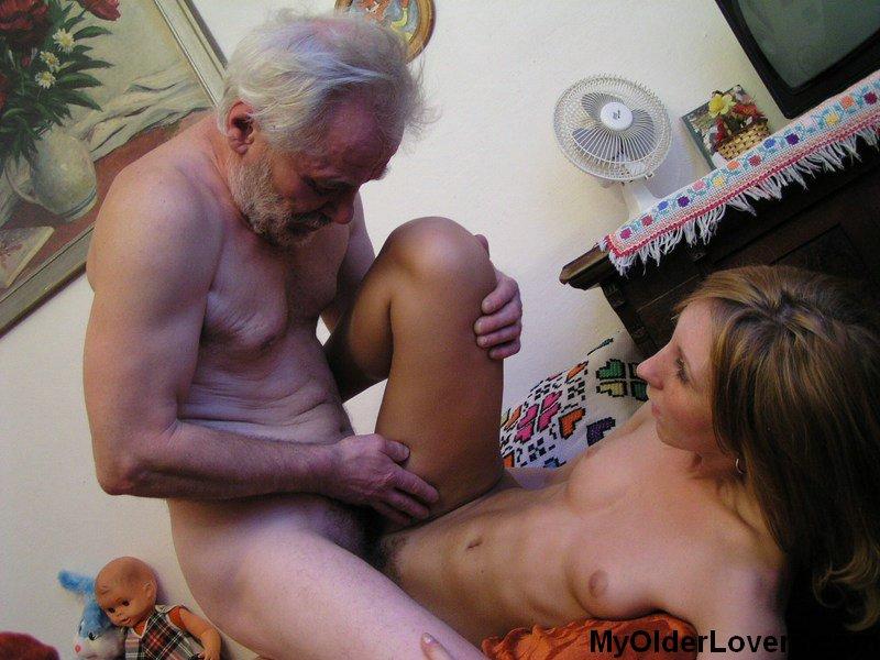 Жестоки секс шлюха и дед