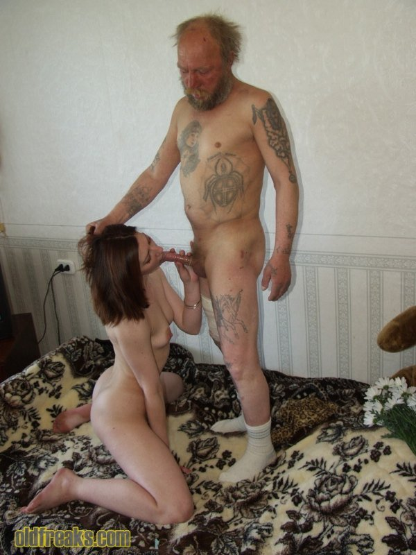 russkoe-video-porno-starih-bomzhih