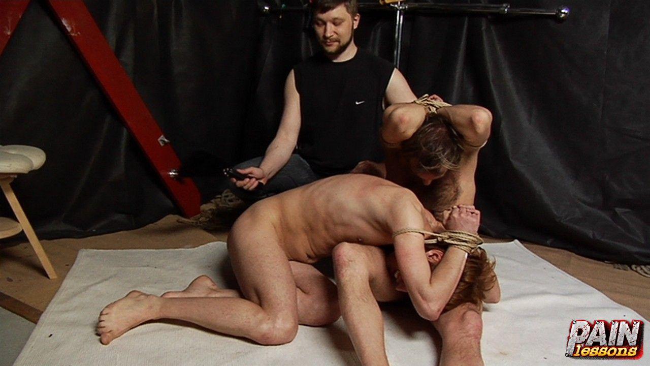 svyazannie-muzhchini-porno